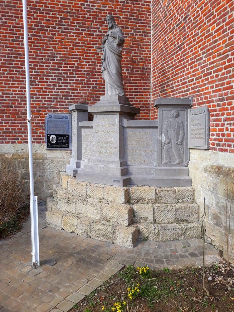 Letterkappers.be , monument 2de Gesneuvelden WO2, Erwetegem Zottegem